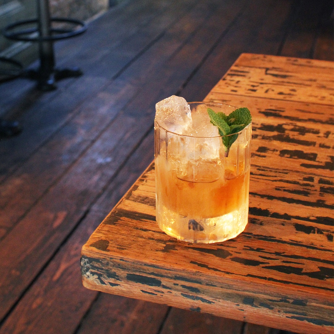 thesuntavern-Auld Fashioned-Bushmill's-whiskey wednesday-cocktail-edit-crop-05